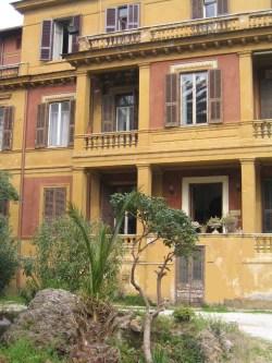 Luigi Pirandello  casa fuori