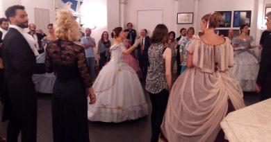 Anna Mastrangelo, Ballo a Palazzo