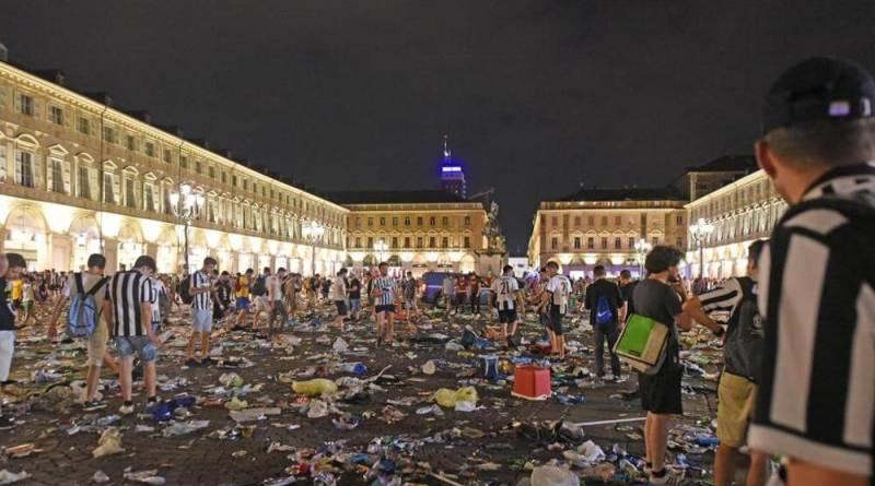 Polizia Locale sempre più come polizia politica, ad uso e consumo delle guerre tra partiti. La vicenda di piazza S. Carlo non è da meno.