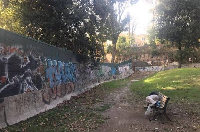 """Villa Borghese, """"camper abbandonati all'ingresso, sicurezza è optional"""". Comunicato stampa da Fabrizio Santori, consigliere regionale FdI."""