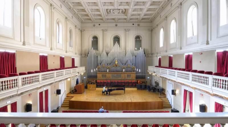 Estaba La Madredi Luis Bacalov.Opera Domenica10 dicembre 2017, alle 21 al Conservatorio S. Cecilia Sala Accademica invia dei Greci, 18.