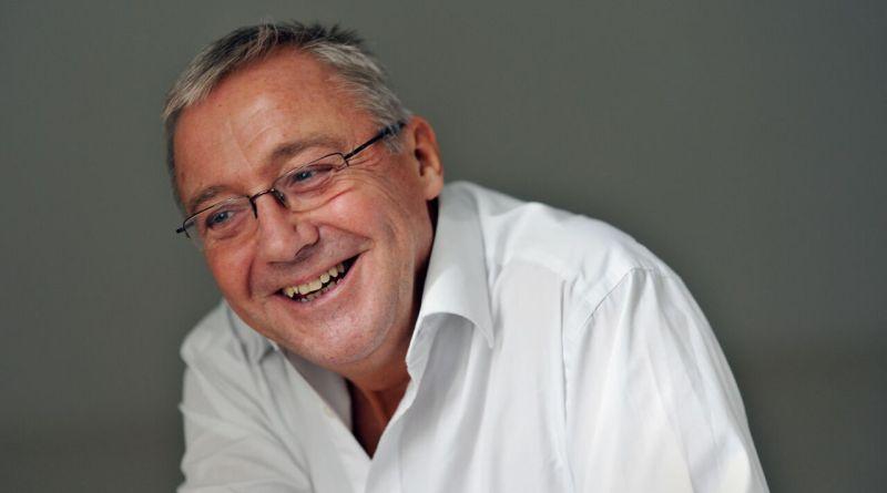 Graham Vick, regista del nuovo allestimento del mozartiano Flauto Magico, coinvolgerà cento interpreti non professionisti.