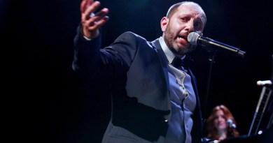 Al Teatro Tor Bella Monaca giovedì 29 marzo alle ore 21 approda l'atteso concerto del Maestro Santi Scarcella. Da Manhattan a Cefalù, un concerto di grandi emozioni.