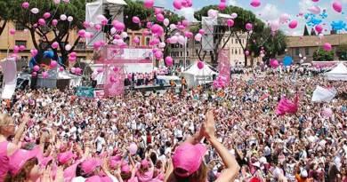 La Race for the Cureè la più grande manifestazione per la lotta ai tumori del seno in Italia e nel mondo. L'evento è organizzato dall'AssociazioneSusan G. Komen Italiache utilizza i fondi raccolti per programmi di Prevenzione.