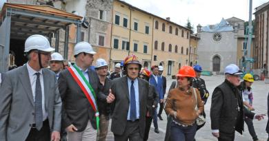 Nella prima mattinata di martedì 26 giugno, il Ministro dei Beni Culturali e del Turismo Alberto Bonisoli, ha visitato Visso, accolto dal Presidente della Regione Luca Ceriscioli.