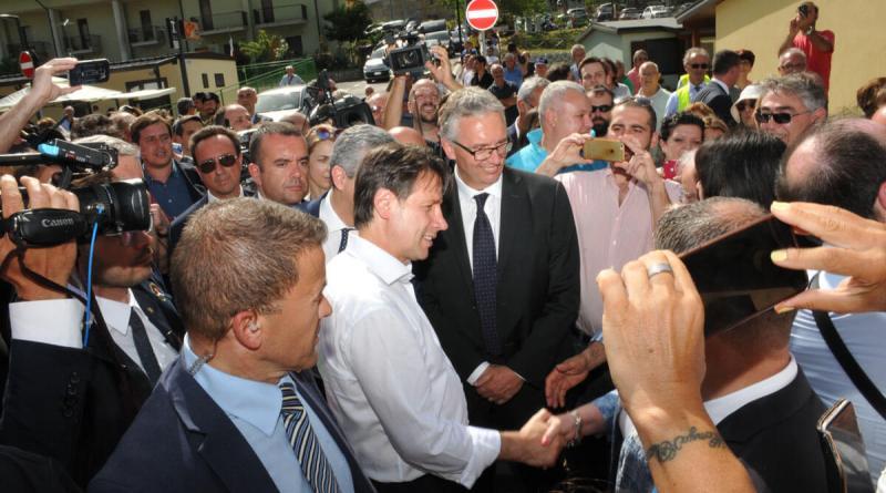 Ieri, 11 giugno, il neo premier Giuseppe Conte, durante la sua prima uscita pubblica,ha visitato Arquata del Tronto, per parlare da vicino con gli abitanti colpiti dal sisma.