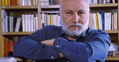 Venerdì 29 giugno, alle ore 18, presso il Teatro Comunale di Cagli, il Professore Domenico De Masi presenta il suo ultimo libro Il lavoro nel XXI secolo, edito da Einaudi.