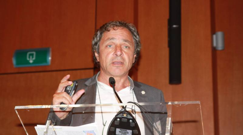 Ambiente e salute influenzano il nostro organismo, relazione tra i fattori ambientali e i cambiamenti.Prof. Ernesto Burgio.