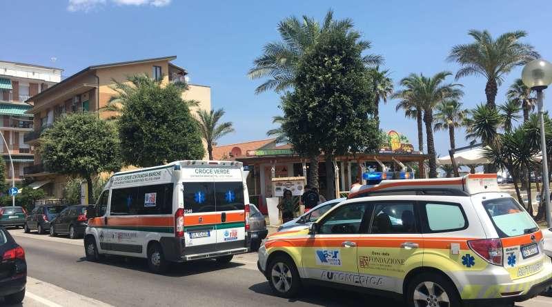 Nel tardo pomeriggio di oggi, sabato 17 novembre, a Civitanova Marche una donna è stata prima aggredita con l'acido e poi colpita con due coltellate.