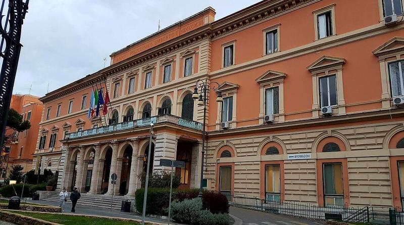 Infermieri e ausiliari esternalizzanti, circa 700 persone, del policlinico Umberto I di Roma sono oggi in sciopero.