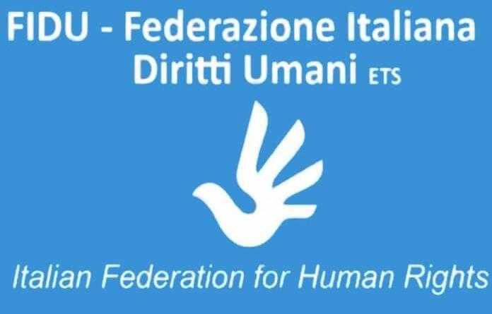 Accordo tra Federazione Italiana Diritti Umani e Sustainable Development School della Cooperativa Camelot a Milano. YE4E.