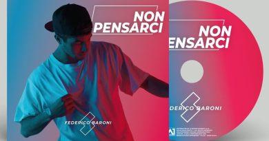 Federico Baroni, cantautore originario di Cesena, presenta Non Pensarci, il suo album di esordio, in uscita il 5 aprile, anticipato dal singolo Disordine.