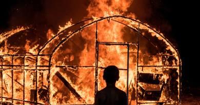 Rabbia. Passione. Inganno. La forza dirompente del dramma e del thriller nell'ultimo film di Lee Chang-dong. Burning – L'amore brucia.