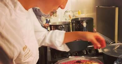 Vi piace cucinare? Siete abili e creativi ai fornelli e sapete realizzare anche un perfetto impiattamento delle vostre creazioni culinarie? Potreste essere Chef Senza Corona