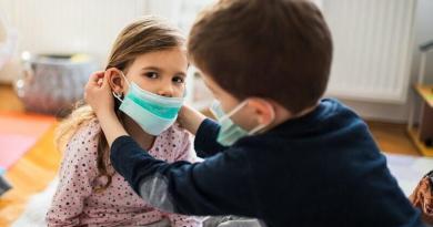Di Berardino: pronto intervento della Regione per consegna 5 mln di mascherine nel Lazio. Necessario garantire apertura anno scolastico in sicurezza.