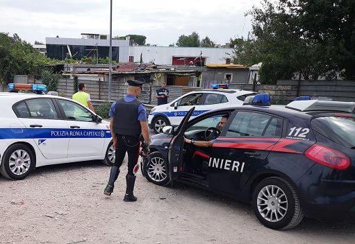 Polizia Locale e Carabinieri , esecuzione misure cautelari per 5 persone tra pubblici ufficiali, esponenti della politica locale e imprenditori