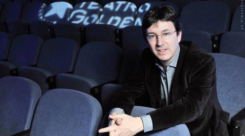 Con la commedia L'accendino magico diretta ed interpretata da Greg per la produzione di Roberto Imbriale LSD edizioni, il Teatro Golden ha aperto la stagione in abbonamento 2020 2021 tra i primi In Italia. Intervista ad Andrea Maia.