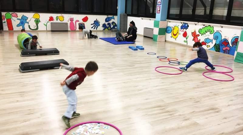 Il gioco è la prima attività spontanea del bambino. Non ha finalità e sviluppa la curiosità, l'imitazione e la combattività. Scopriamo il gioco logico.