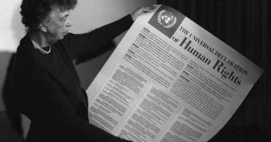 Qual è la sostanziale differenza tra la Dichiarazione universale dei diritti umani del 1948 e la Convenzione per i diritti delle persone con disabilità del 2006?