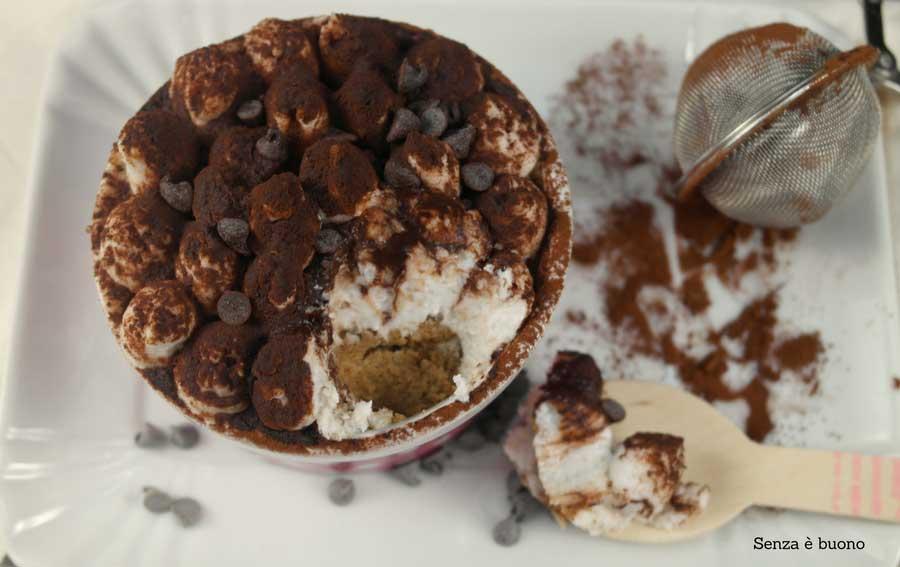 Tiramisù al cocco e cioccolato vegan senza glutine