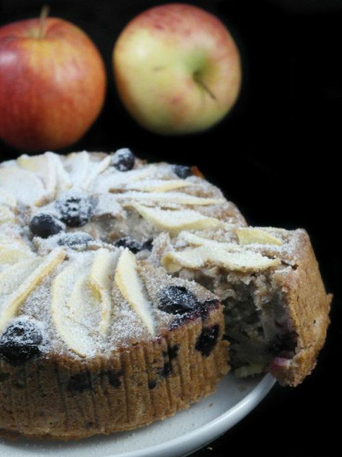 Torta mele e mirtilli vegan, senza glutine e sugar free