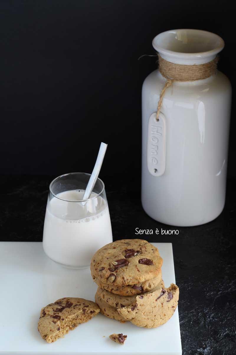 Biscotti cookies al cioccolato senza glutine senza lattosio