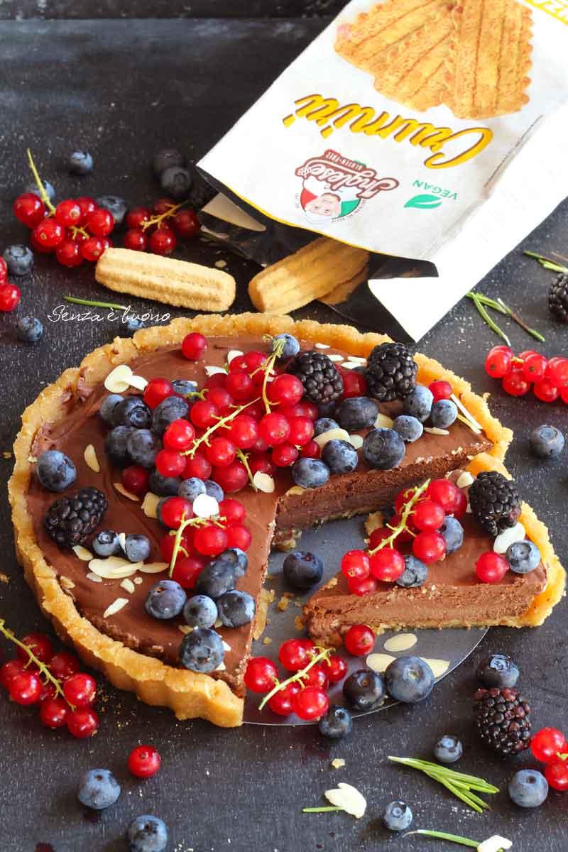 crostata con mousse al cioccolato vegan senza glutine