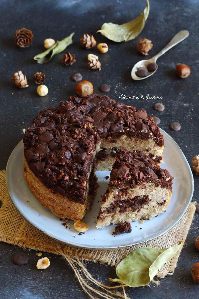 torta alle nocciole senza glutine con crumble