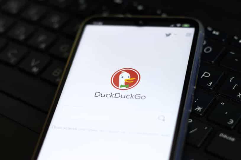محرك DuckDuckGo و49 شركة أخرى تريد إصلاح أندرويد