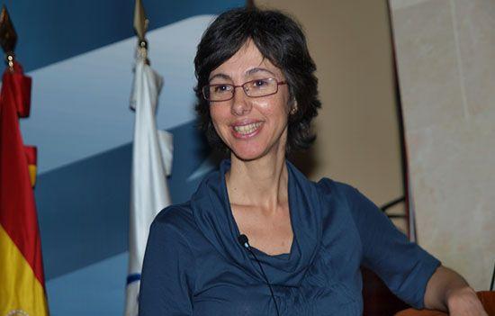 Dra. Laura Toledo en la conferencia