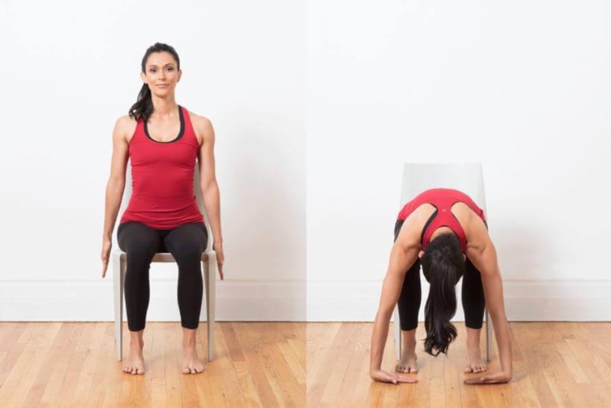 flexion avant yoga sur chaise