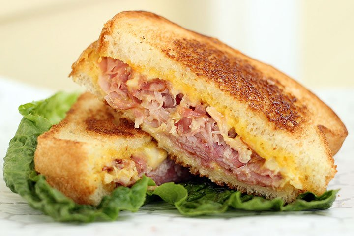 grilled ham cheese sandwich