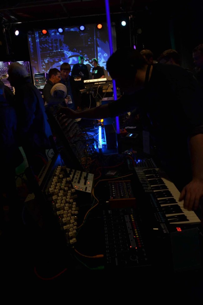 Dinosaurier-Synthmeeting_025