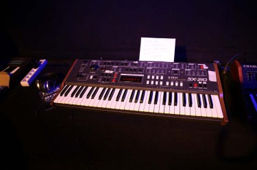 Dinosaurier_Synthesizer0189