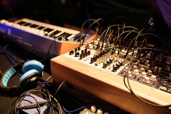 Dinosaurier_Synthesizer0420