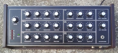 Jen Syntar , GS3000 synthesizer