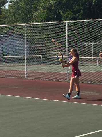 Girls Tennis Swarms The Zee-Bees