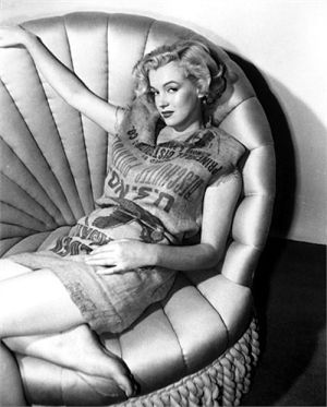 Marilyn Monroe in, yes, a potato sack. Photo by Earl Theisen, 1951.
