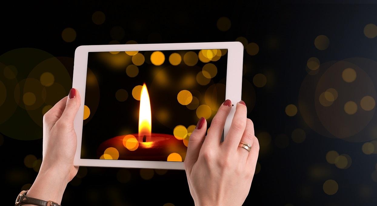 Comunicare il lutto con il necrologio: l'origine e la storia