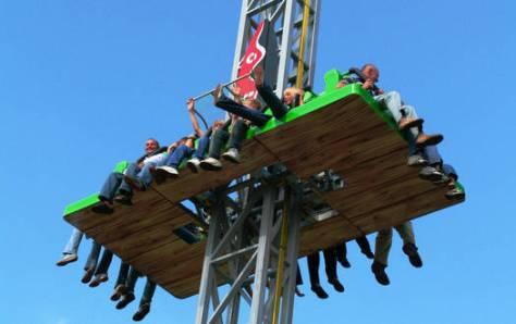 Victoria Freefall Tower - Fahrgeschäfte Serengeti-Park