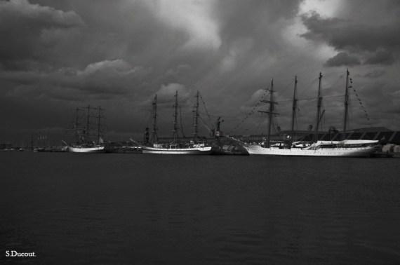 Bateaux dans le port de Saint-Malo - Serge Ducout - Photographie