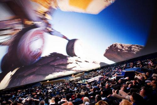 Interno della Geode durante una proiezione nel formato IMAX