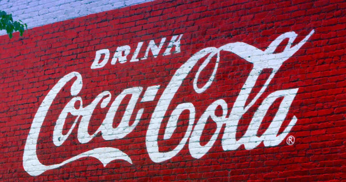 """Scritta murale """"Drink Coca-Cola"""""""