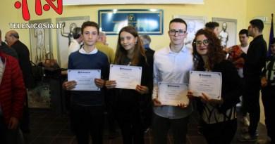 """Nicosia, il Kiwanis ha premiato quattro studenti per la """"Miglior Pagella"""" ottenuta nell'anno scolastico 2018-2019 – FOTO & VIDEO"""
