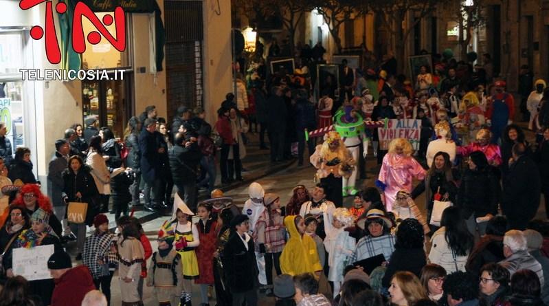 """Nicosia, grande conclusione con la sfilata del """"martedì grasso"""" per il Carnevale 2020 – FOTO & VIDEO"""