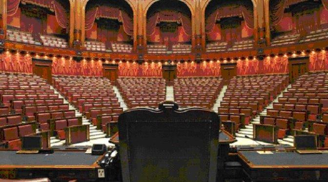 Per Governo e Parlamento una stagione decadente