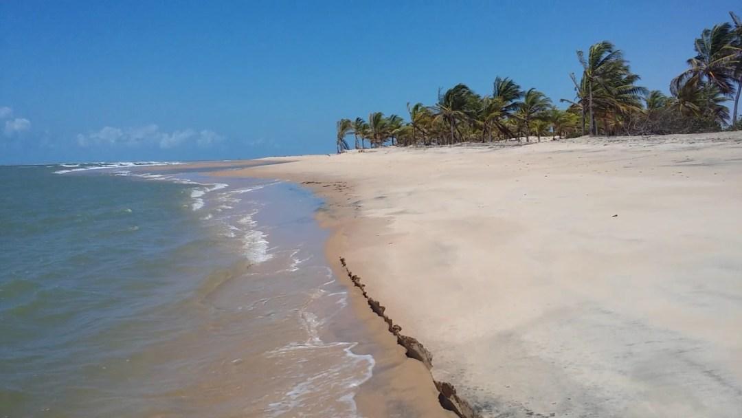 Praia de Ponta dos Mangues