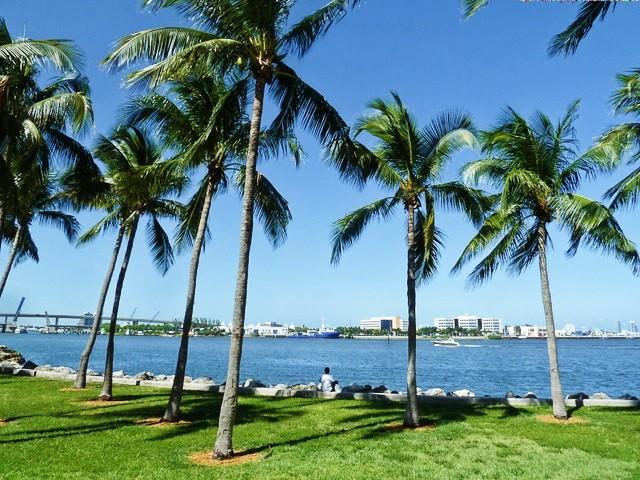 Bayfront Park avec la baie de Biscayne