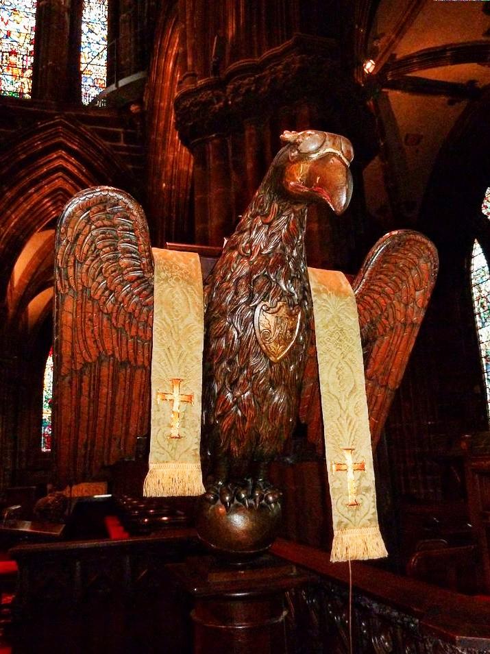 Glasgow aigle en bois