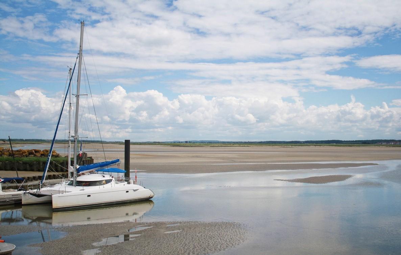 Découvrir la baie de Somme en catamaran : un moment inoubliable